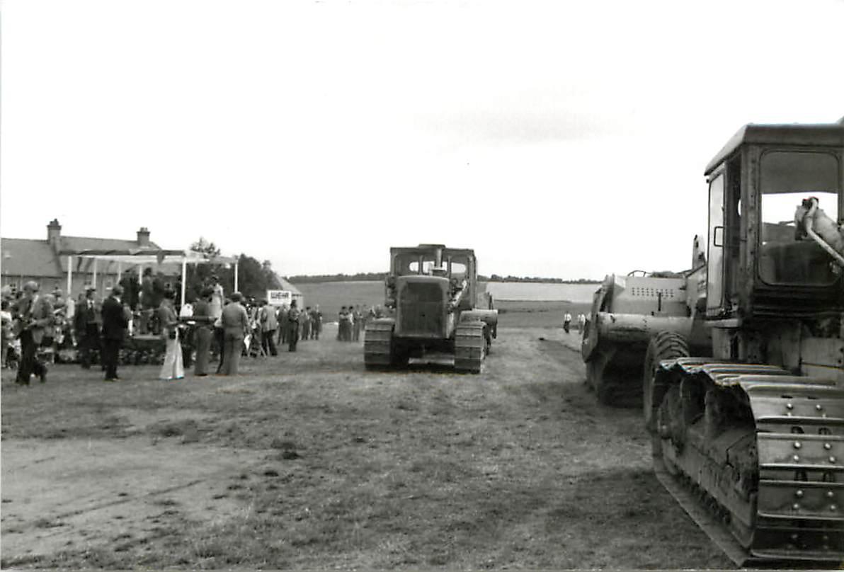 excavators on site 1975