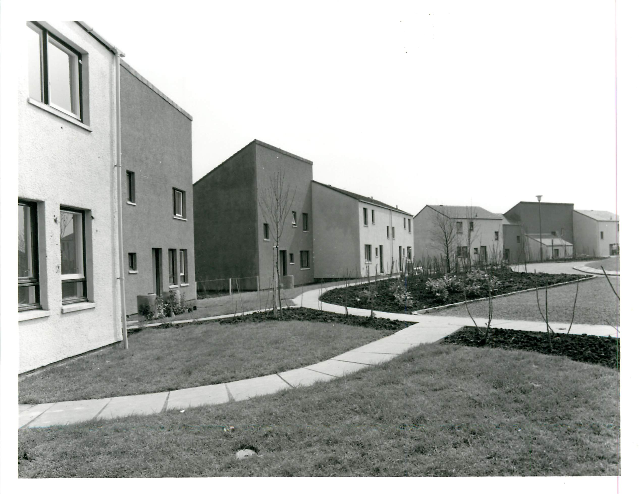 first housing 10th may 1976