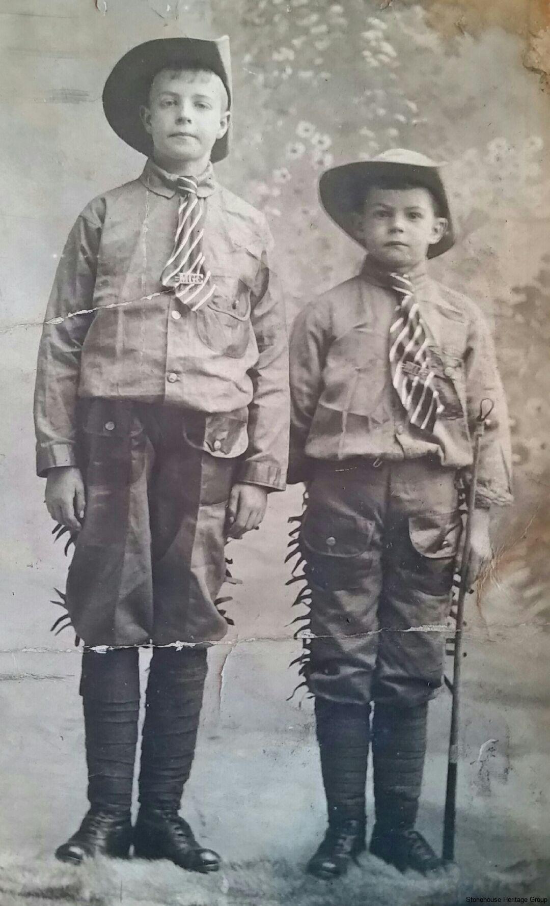 Scouts-1915-James-douglas-Hamilton-and-Charlie-Stevenson