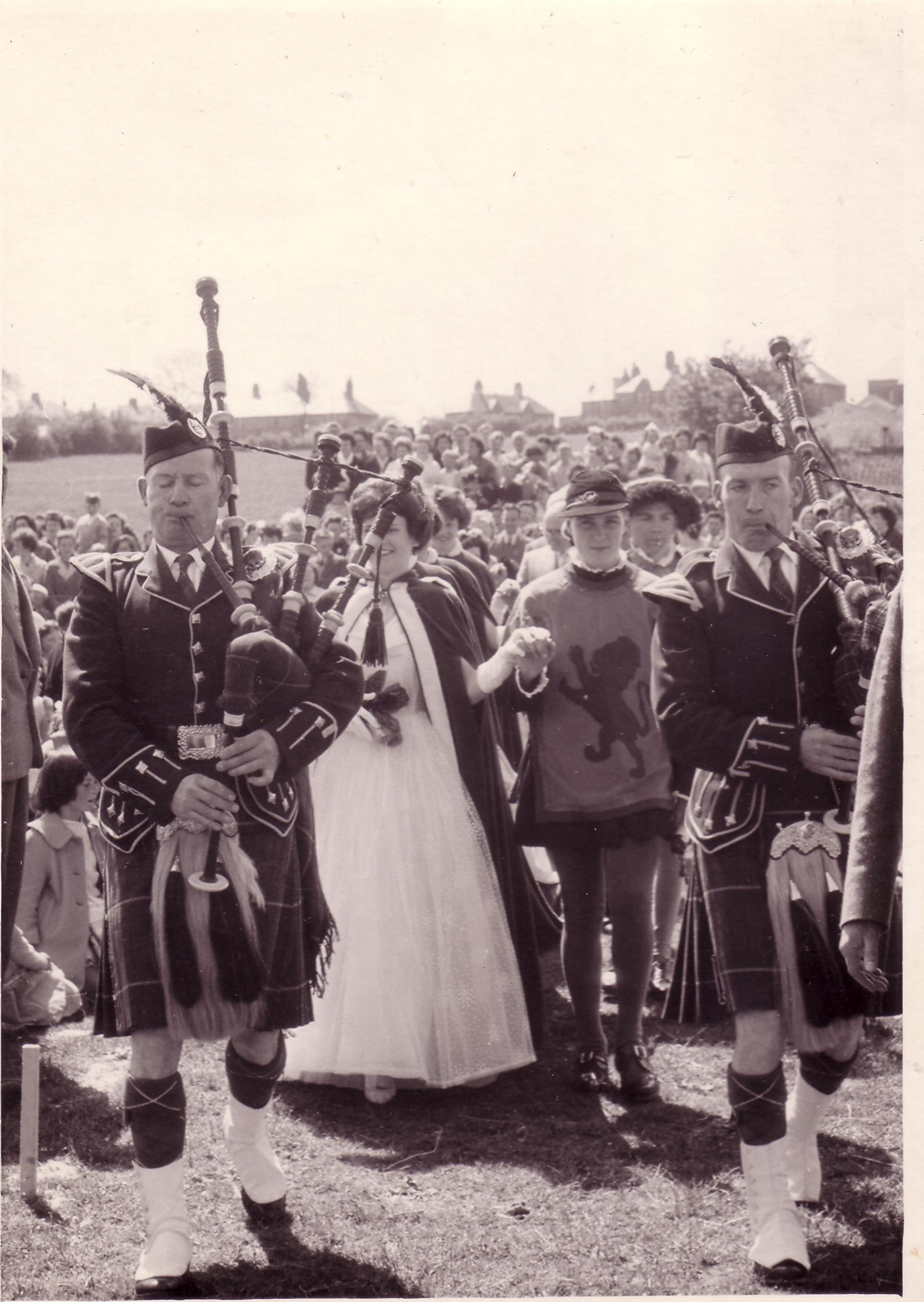 691 Gala dat 1963.jpg