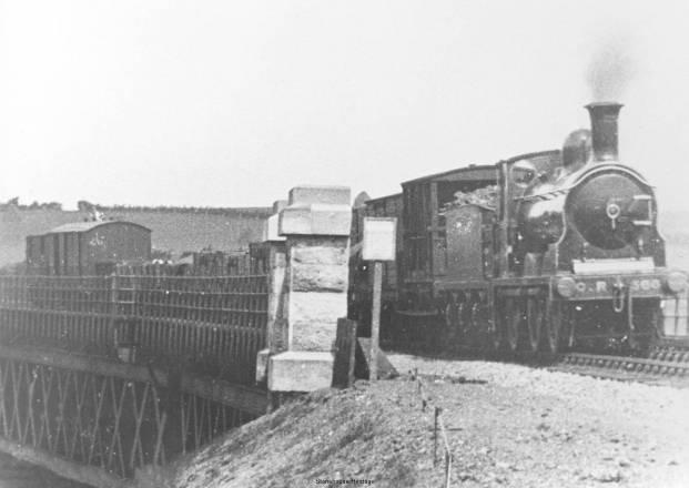 goods-train-viaduct